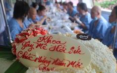 Bữa cơm ngày cuối năm của bệnh nhân ung thư ở Bệnh viện Từ Dũ