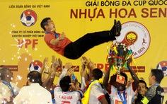 Bóng đá chuyên nghiệp Việt Nam: 'Dễ vỡ' khi ông chủ buông tay