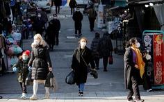 Số ca COVID-19 tăng cao nhất trong 9 tháng, Hàn Quốc nâng mức giãn cách xã hội