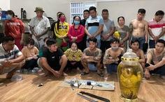 Phá sòng lắc tài xỉu 'khủng' tại Đồng Nai, tạm giữ 21 con bạc