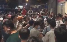 Xô xát trước AEON Tân Phú: Mâu thuẫn giữa bảo vệ và nhóm người bán hàng đa cấp