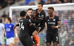 Chelsea và Leicester chia điểm sau màn rượt đuổi tỉ số hấp dẫn