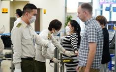 Liên tiếp phát hiện hành khách dùng giấy tờ giả đi máy bay