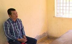 Con nghiện giả danh cảnh sát hình sự cướp điện thoại
