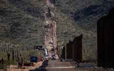 Khu chôn cất thiêng liêng của người bản địa bị cho nổ để xây tường biên giới