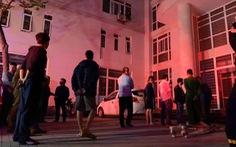 Cứu 7 người ở khu nhà ở sinh viên 9 tầng bị cháy trong đêm