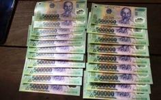 Bắt 5 người mua bán tiền giả và tàng trữ ma túy ở TP.HCM