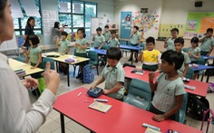 Học sinh Singapore, Thái Lan vẫn đi học trong mùa dịch