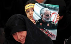 Ông Trump bị nhắc nhở chuyện tấn công Iran