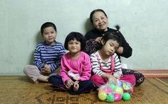 'Bà ngoại' 65 tuổi lượm ve chai và ba đứa cháu không xin mà có