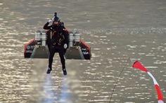 'Iron Man' ngoài đời thực bay từ mặt đất lên độ cao tới 1.800m