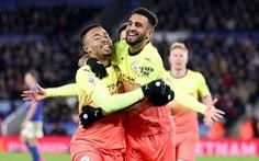 Aguero sút hỏng penalty, Jesus giúp Man City khuất phục Leicester tại King Power