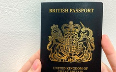 Anh chính thức đổi màu hộ chiếu sau sự kiện Brexit