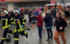 Đức: 'xe điên' lao vào đoàn diễu hành, ít nhất 30 người bị thương