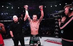 Võ sĩ MMA knock-out đối thủ nhờ 'liên hoàn đấm' như trong phim của Chân Tử Đan