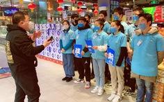 Thiếu lao động vì COVID-19, các công ty Trung Quốc 'xài chung' nhân viên
