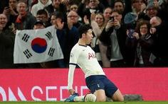 Son Heung-min và tân binh Bergwijn 'nổ súng', Tottenham đá bại 10 người M.C
