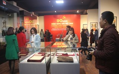 Trưng bày bảo vật quốc gia 'Đường kách mệnh' và nhiều hiện vật quý hiếm về Đảng