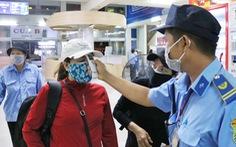 Bến xe Miền Đông phun thuốc khử trùng phòng dịch corona