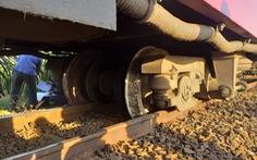 Tàu SE25 trật ray, đường sắt Bắc - Nam lại gặp sự cố những ngày cao điểm