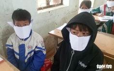 Vụ học sinh đeo khẩu trang giấy: 'Sở sẽ chuyển khẩu trang đến nhà trường'