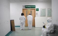 Dân Trung Quốc đau buồn, giận dữ khi bác sĩ Lý Văn Lượng qua đời