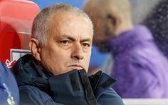Mourinho lại đổ lỗi cho chấn thương, Dele Alli... không tán thành