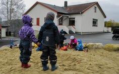 Na Uy khuyến cáo cha mẹ không nên nhờ ông bà chăm con trong dịch COVID-19