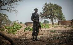 100 tay súng tấn công 6 ngôi làng ở Nigeria, ít nhất 50 người thiệt mạng