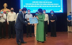 Ông Johnathan Hạnh Nguyễn: 'Đưa con về nước là trao trọn niềm tin vào đội ngũ y bác sĩ Việt Nam'
