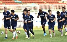 V-League 2020 tạm hoãn: Các CLB cố gắng 'giữ lửa'
