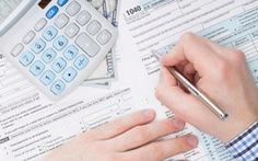 Mỹ lùi thời hạn nộp thuế thu nhập để hỗ trợ người dân