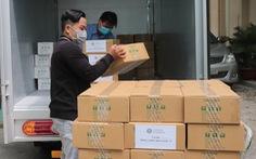 Tặng hơn 5.200 chai sát khuẩn cho ngành y tế TP.HCM và Tây Ninh
