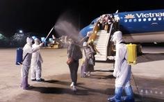 Chuyến bay Vietnam Airlines đưa gần 200 công dân 'mắc kẹt' rời khỏi Philippines