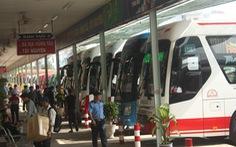 Kiến nghị giảm phí, lùi xử phạt để gỡ khó cho xe buýt, taxi, xe khách