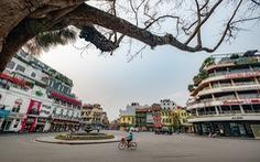 Hà Nội trước giờ đóng cửa các cơ sở kinh doanh để chống dịch COVID-19