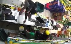 Bắt nghi can cướp tài sản tại cửa hàng Bách hóa Xanh