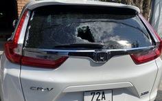 Bắt 8 'trẻ trâu' ném gạch phá 35 xe hơi ở Vũng Tàu 'cho vui'