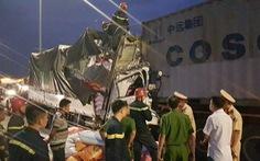 Ba người tử vong trong cabin xe chở gạo bẹp dúm