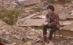 Lê Cát Trọng Lý quay MV tại khu ổ chuột lớn nhất châu Phi