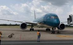 Cùng bay với hành khách Nhật nhiễm COVID-19, có 5 người đã nhập cảnh vào TP.HCM