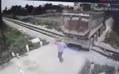 Bộ trưởng gửi thư khen nhân viên gác chắn ngăn tai nạn tàu hỏa
