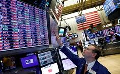 Chứng khoán tương lai của Mỹ mất 1.000 điểm trong khi giá dầu tiếp tục lao đốc