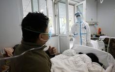 Bác sĩ ở 'tâm dịch' Vũ Hán nói gì về những ca bệnh chết trẻ, tái nhiễm?