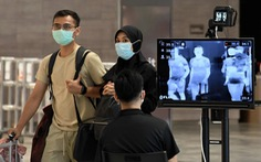 WHO khuyến cáo theo dõi khách ngồi gần người bệnh COVID-19 trên máy bay