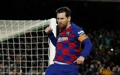 Messi ghi bàn từ chấm 11m đưa Barca lên ngôi đầu