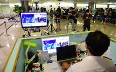Máy bay cất cánh đi Tân Sơn Nhất 2 tiếng, gia đình mới báo con nghi bị COVID-19