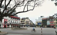 Hà Nội trầm lặng hơn trong ngày đầu cách ly toàn xã hội chống dịch