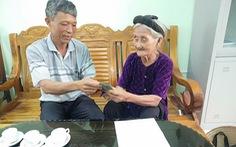Cụ bà 84 tuổi năm ngoái xin thoát nghèo, nay góp 2 triệu chống dịch COVID-19