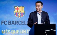 Vì sao 6 thành viên ban lãnh đạo CLB Barcelona từ chức?